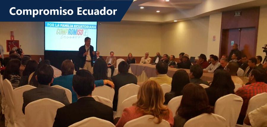 Lasso recibió símbolos Shuar en reunión previa de Compromiso Ecuador