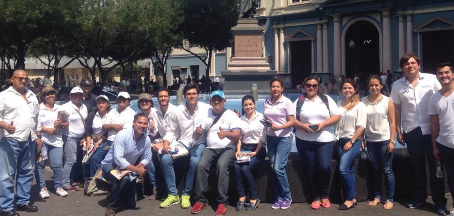 Llevar el mensaje de cambio y desarrollo para la familia ecuatoriana es la meta que cada día cumple el frente de Profesionales del movimiento CREO a nivel nacional. Sus directivos provinciales y cantonales trabajan en las parroquias y barrios con el fin de llegar a los comicios del 2017 con una estructura territorial fortalecida, capacitada y consolidada en todo el territorio ecuatoriano.