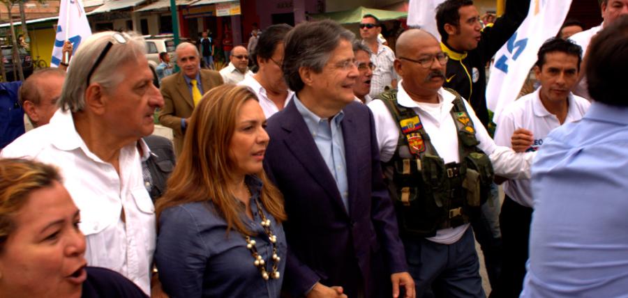 Lasso comparece nuevamente a juicio en su contra acompañado de la militancia de CREO