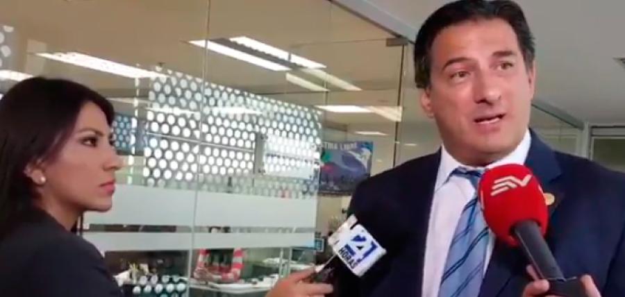 Salgado denunció presunto peculado en uso de medios públicos