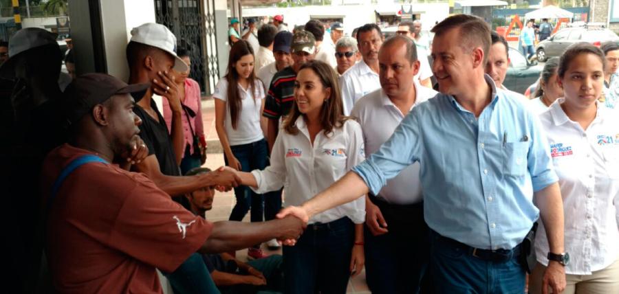 Andrés Páez y candidatos del distrito 1 recorrieron el Puerto Marítimo