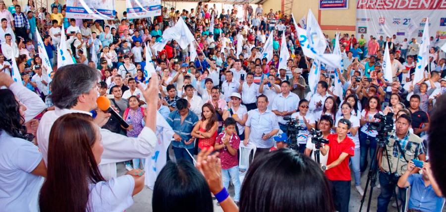 Lasso continua su campaña por el millón de empleos desde Sucumbíos