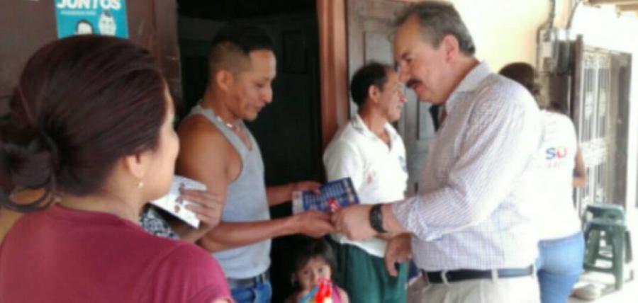 Franco Romero recorre El Oro llevando la propuesta del Cambio