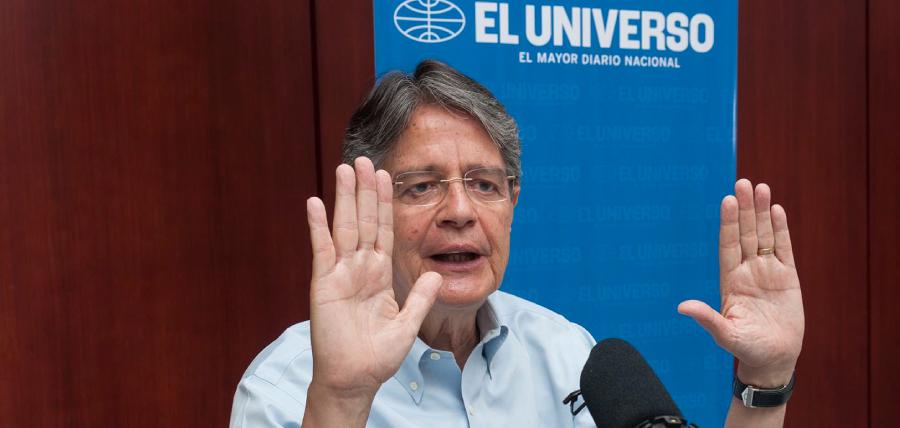Lasso interactuó con lectores de Diario El Universo