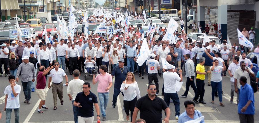Lasso recibió el apoyo de los guayaquileños en el distrito 3