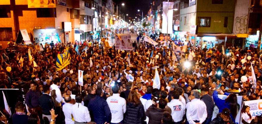 Quito respaldó al candidato líder de la oposición