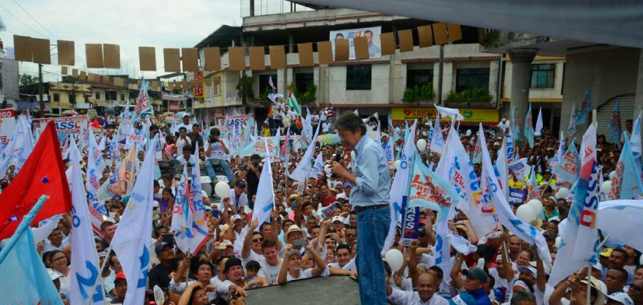 El Carmen sale a las calles por Lasso Presidente