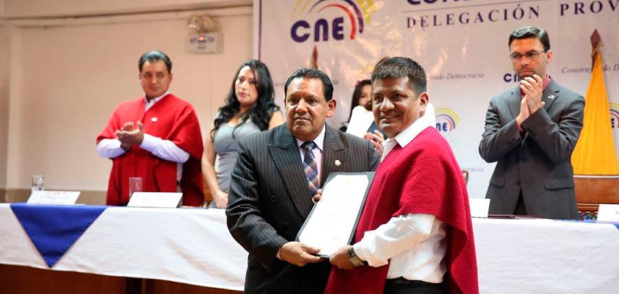 Luis Pachala  recibió credencial que lo habilita como asambleísta
