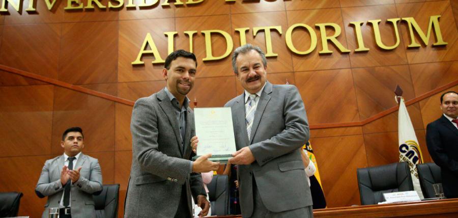 Asambleísta de El Oro recibió acreditación del CNE