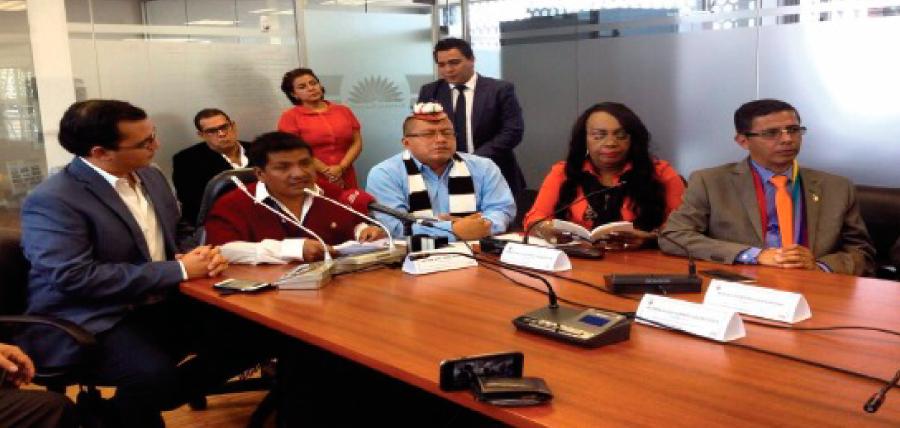 Glas es llamado a comparecer a la Asamblea en Comisión liderada por la oposición
