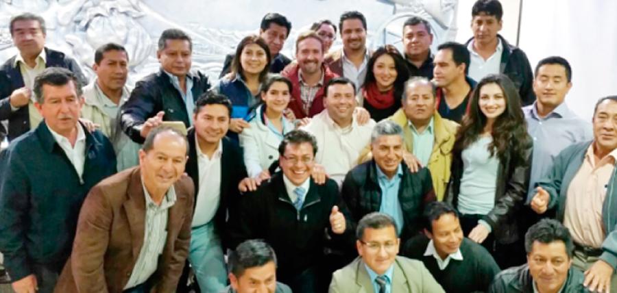 Frente de Profesionales de CREO en Loja listo para fortalecer el trabajo territorial