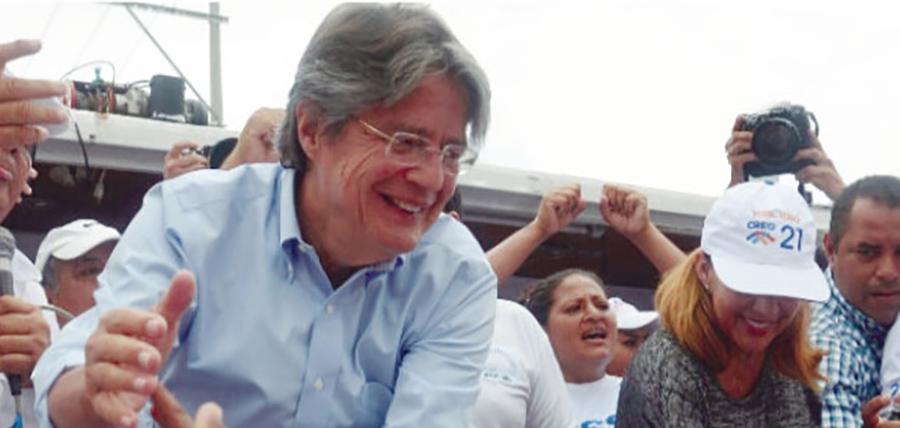 Lasso acude a la Fiscalía a enfrentar persecución de Alianza País