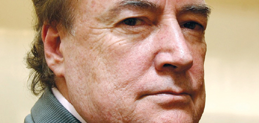 El hombre detrás del Congreso de los Manteles vuelve al poder de la mano de Lenín Moreno