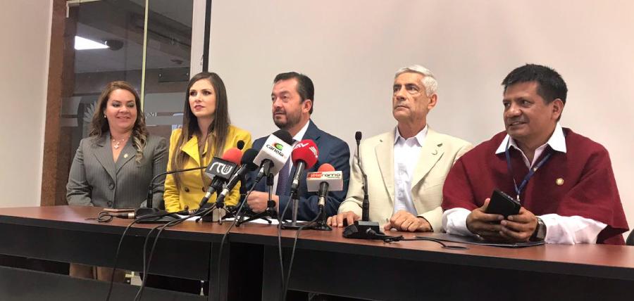 """""""La institucionalidad está secuestrada por AP"""""""