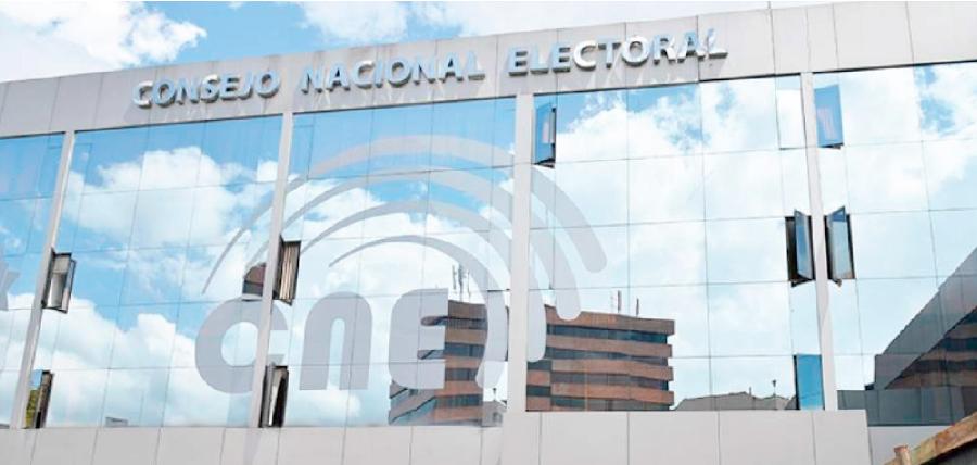 El CNE dice no tener recursos para pagar deudas, pero se alista a llenar 698 vacantes