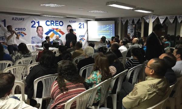 Militancia de CREO en Azuay reciben capacitación sobre Consulta Popular
