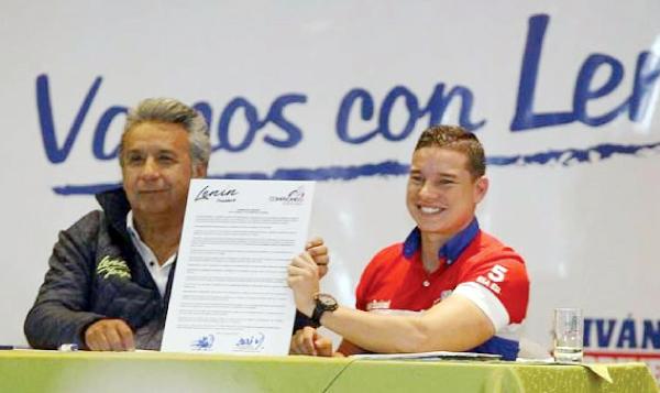 Moreno felicita a Espinel por sus aportes al Gobierno mientras el Fiscal le formula cargos por presunto delito de peculado