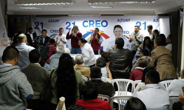 El líder de CREO Guillermo Lasso, visitó Cuenca, para junto a la estructura de Azuay impulsar la campaña de respaldo a la Consulta Popular en la provincia.