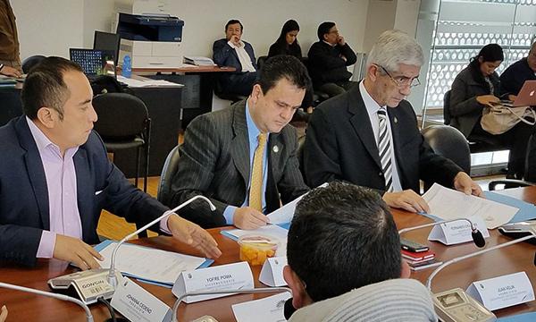 Ministros deberán responder sobre contaminación del río Esmeraldas