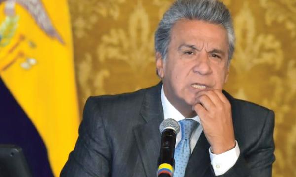 Moreno arremete contra Cedatos y apoya la persecución judicial que inició Correa contra P. Córdova
