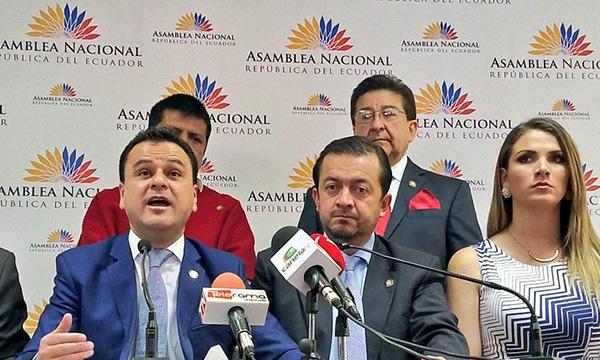 Bloque de CREO presentará una reconsideración a la votación para renuncia de José Serrano