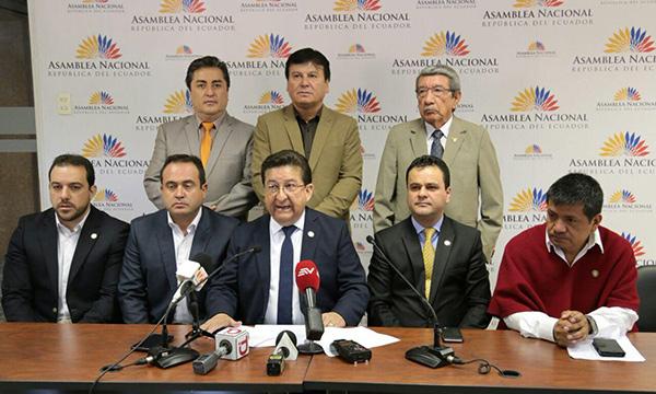 Asambleísta de CREO pide conformar comisión para investigar muerte de jóvenes Aeropuerto