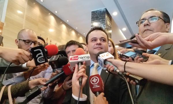Asambleísta de CREO reactiva el juicio político a Gustavo Jalkh por injerir en la Justicia