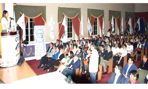Asambleísta de CREO fortalece la capacitación nacional del movimiento en Chimborazo