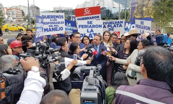 CREO presente en la Fiscalía para rendir versión en contra de atraco de los medios públicos e incautados