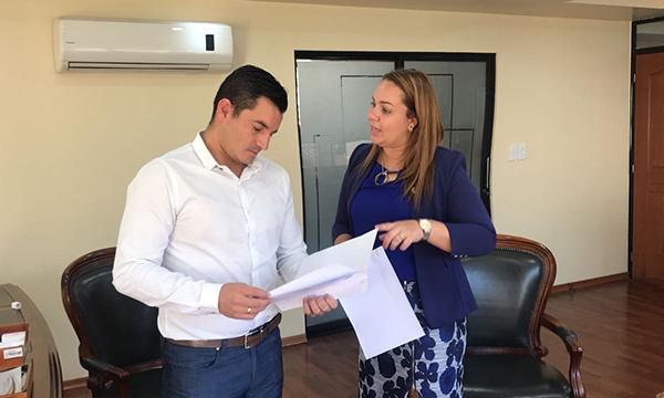 Asambleísta Rina Campain exige nuevo hospital del IESS para Esmeraldas