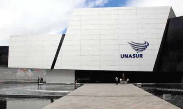 A pesar de su inoperancia UNASUR incrementa su presupuesto para contratar más asesores y secretarios
