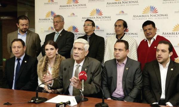 Asambleísta de CREO pide auditar los gastos de UNASUR durante la década robada de Alianza País