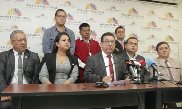 Bloque Legislativo rechaza injerencia del Socialismo del Siglo 21 en las decisiones del Ecuador