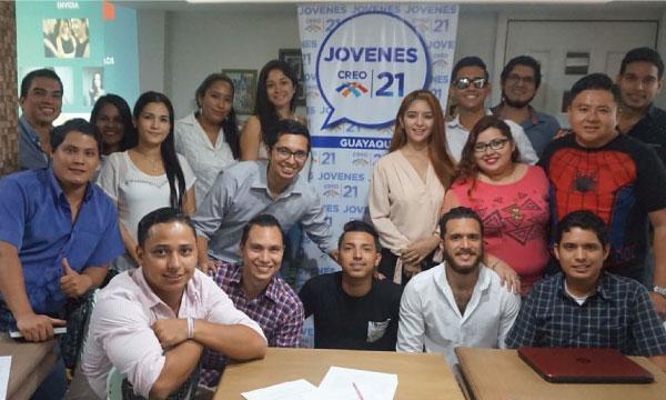 El Frente de Jóvenes CREO en Guayaquil cumplen jornada de capacitación política