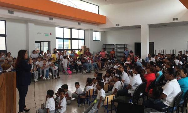 En Los Ríos CREO imparte charlas de formación familiar como parte de su programa de Responsabilidad con la Sociedad
