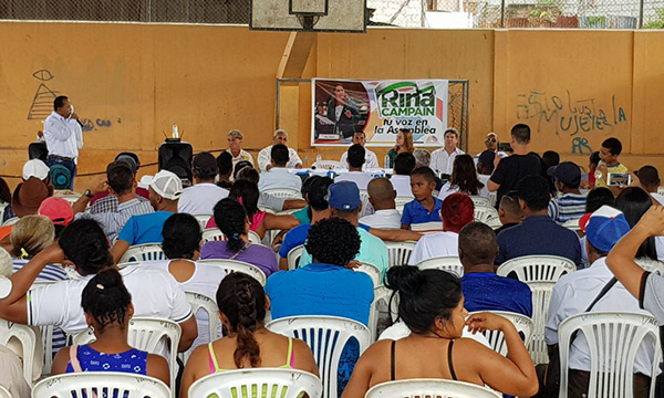 Asambleísta de CREO llega a Río Verde como parte de su programa de ayuda social en Esmeraldas