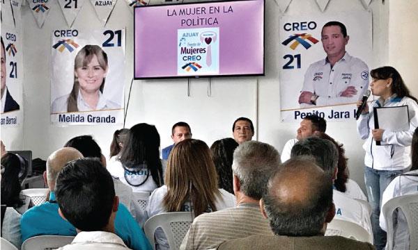 Directiva del Frente de Mujeres de Azuay capacita en temas políticos