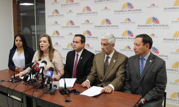 Bloque de CREO exige la renuncia inmediata de los responsables políticos de la fuga de Alvarado