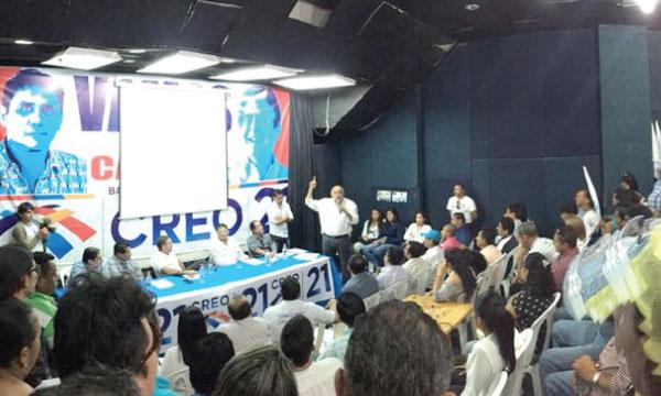 Movimiento CREO Los Ríos cumple conversatorio sobre el abuso del poder en Ecuador