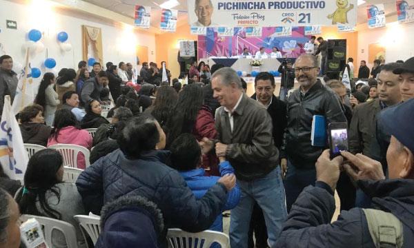 Mejía recibe la propuesta electoral de CREO por el cambio en Pichincha 2019