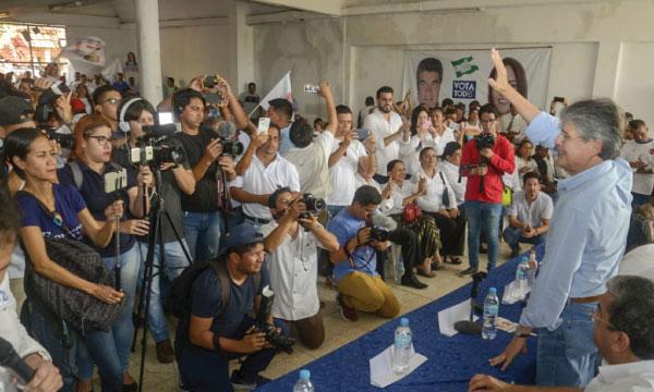 Lasso continuó en Babahoyo con sus recorridos territoriales en respaldo a sus candidatos