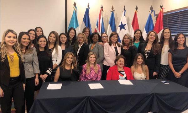 CREO participa en El Salvador de la reunión de mujeres líderes de la Unión de Partidos Latinoamericanos