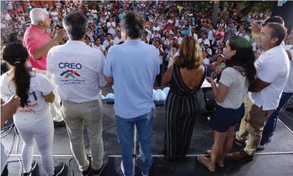 Galápagos recibe a Lasso que llegó para apoyar a Henry Cobo candidato a la Alcaldía de San Cristóbal
