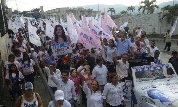 Lasso cierra su semana en las calles de Guayaquil apoyando la Prefectura de Poly Ugarte