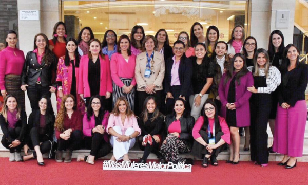 Movimiento CREO cumple jornada de conferencias en el Encuentro de Mujeres Latinoamericanas