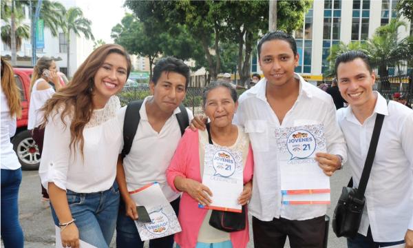 Representante de Jóvenes CREO gana concurso de mujeres por el progreso, capítulo Ecuador
