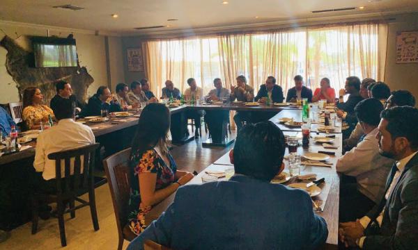 En Guayaquil Lasso se reúne con alcaldes para analizar el desarrollo productivo seccional