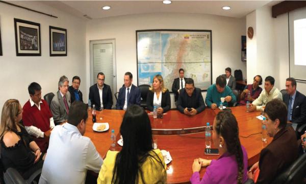 Lasso y Bloque de CREO se reúnen para analizar proyectos de Ley para el desarrollo económico