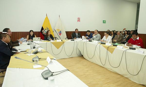 Comisión de fiscalización da paso al juicio político en contra del CPCCS