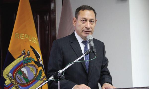 César Carrión otorgado el reconocimiento de Gran Oficial de Policía